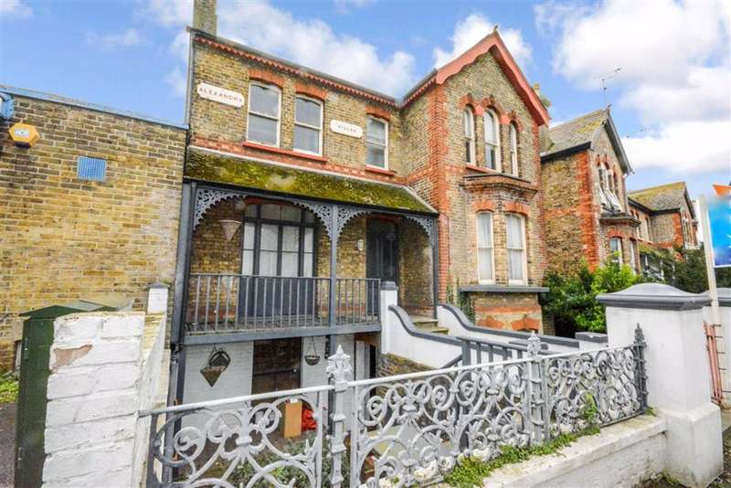 5 Bedrooms Detached House for sale in Beatrice Road, Margate