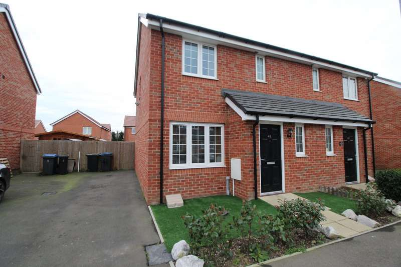 3 Bedrooms Semi Detached House for sale in Hancocks Field, Deal, Kent, CT14