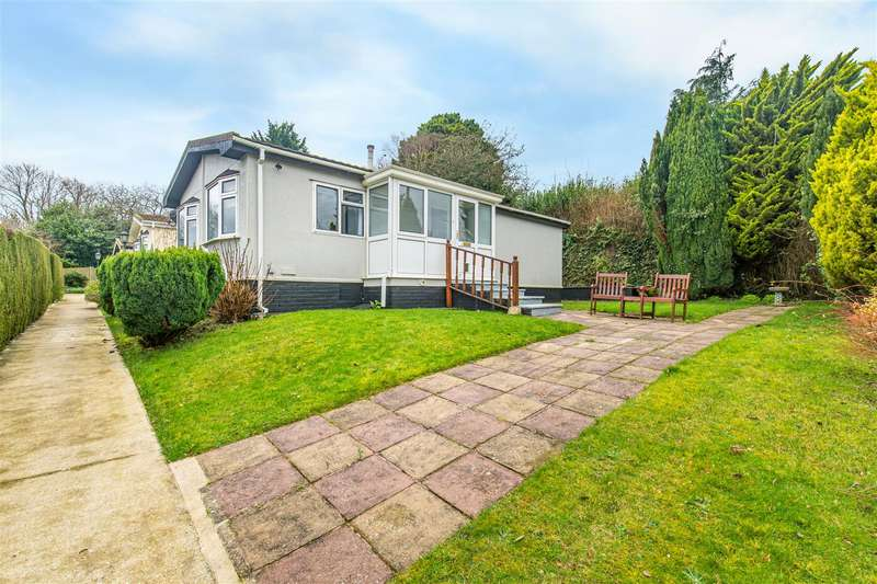 2 Bedrooms Bungalow for sale in Berrys Green Road, Berrys Green, Westerham