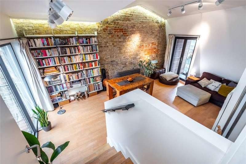 2 Bedrooms Flat for sale in St. John Street, London, EC1V