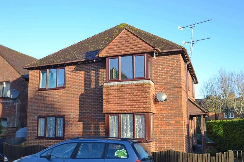 2 Bedrooms Flat for sale in Fordingbridge