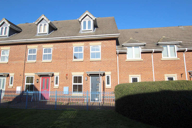3 Bedrooms Town House for sale in Farrier Court, Royston