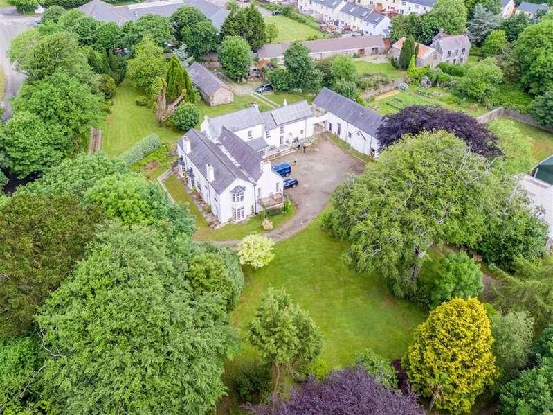 9 Bedrooms Detached House for sale in Johnston, Haverfordwest