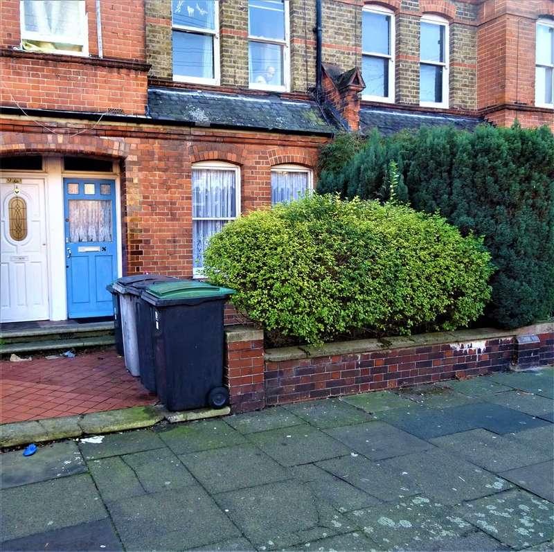 2 Bedrooms Maisonette Flat for sale in Gladstone Avenue, Wood Green