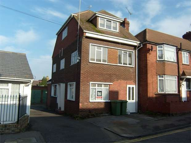 3 Bedrooms Ground Maisonette Flat for sale in Epps Road, SITTINGBOURNE, Kent