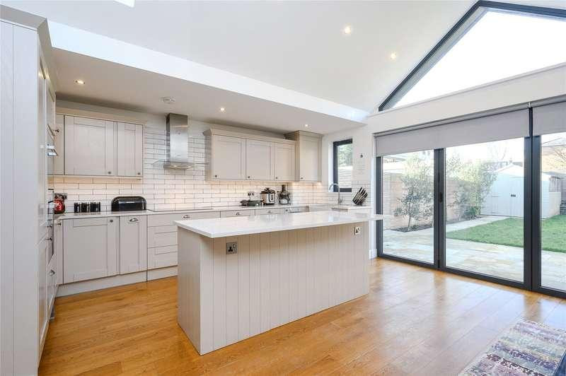 4 Bedrooms Terraced House for sale in Longstaff Crescent, Southfields, London, SW18