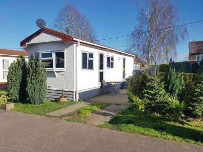 1 Bedroom Mobile Home for sale in Fosman Close, Hitchin, Hertfordshire