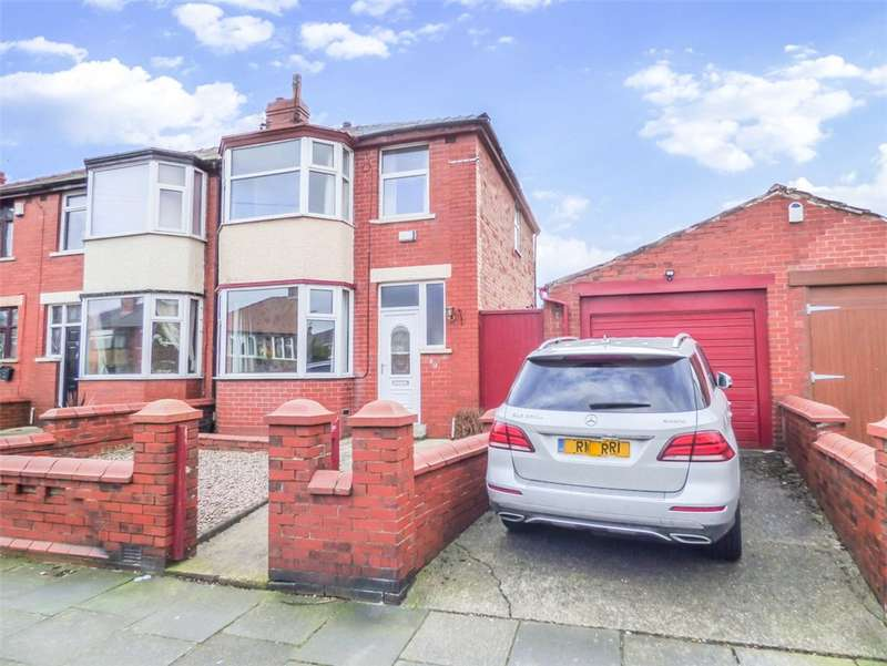 3 Bedrooms Link Detached House for sale in Worcester Road, Marton, Blackpool