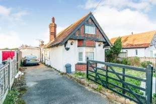 4 Bedrooms Bungalow for sale in Arlington Gardens, Margate, Kent, .