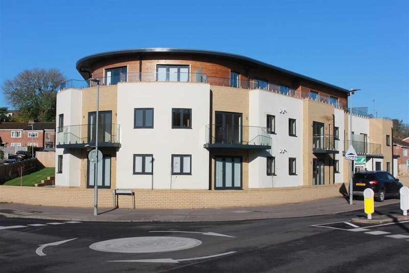 2 Bedrooms Apartment Flat for sale in Beechfield Road, Boxmoor