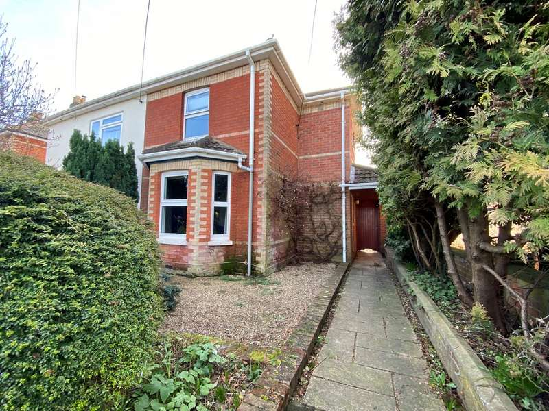 3 Bedrooms Semi Detached House for sale in Southampton Road, Ringwood BH24