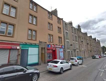 2 Bedrooms Flat for rent in Strathmartine Road, Strathmartine, Dundee, DD3