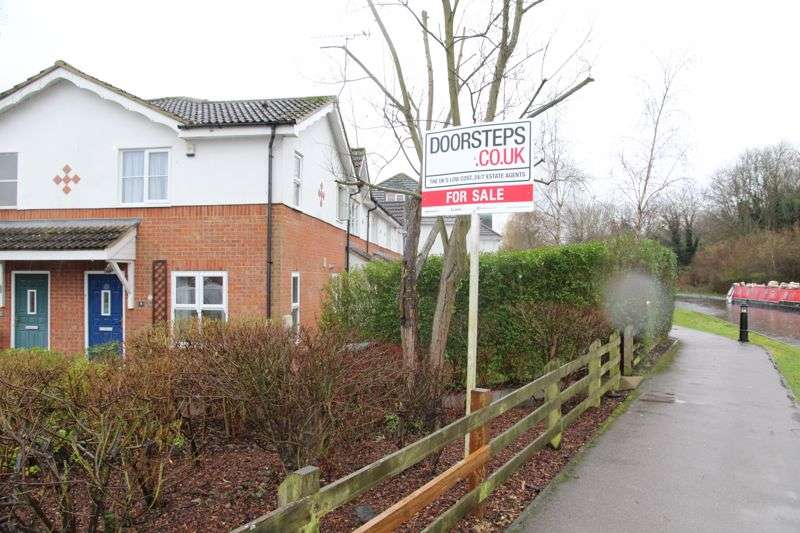 1 Bedroom Property for sale in Longman Close, Watford