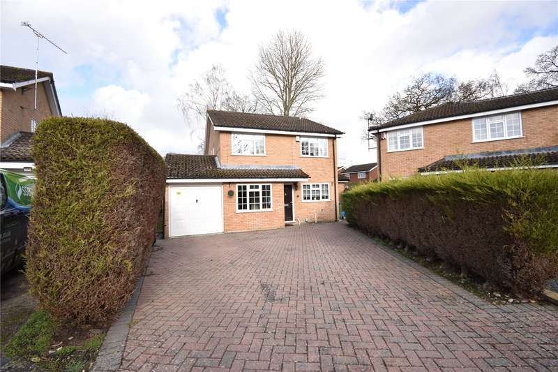 4 Bedrooms Detached House for sale in The Potteries, Farnborough, Hampshire, GU14