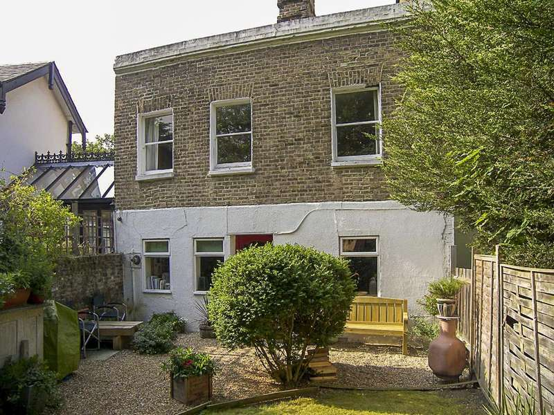 2 Bedrooms Semi Detached House for sale in Perry Vale, Forest Hill