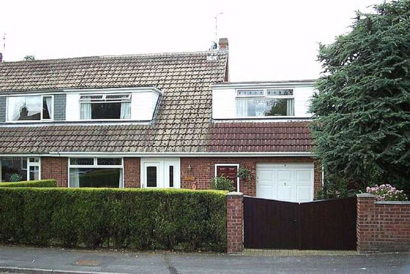 4 Bedrooms Semi Detached House for rent in