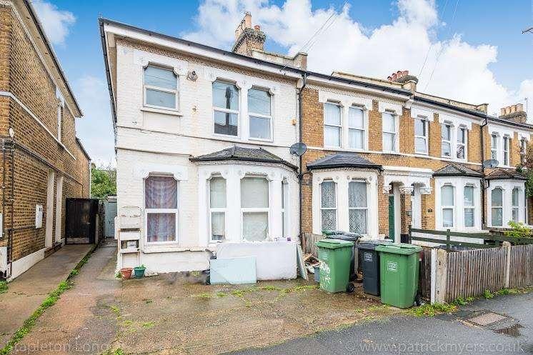 2 Bedrooms Flat for sale in Rathfern Road, London