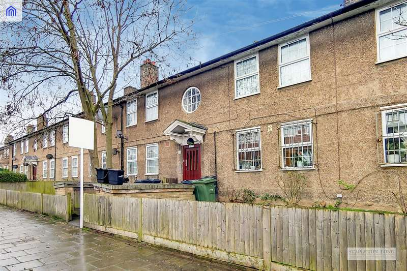 3 Bedrooms Flat for sale in St. Gothard Road, London