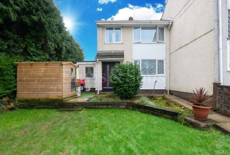 3 Bedrooms End Of Terrace House for sale in Bettws Close, Newport, Gwent. NP20 7YA