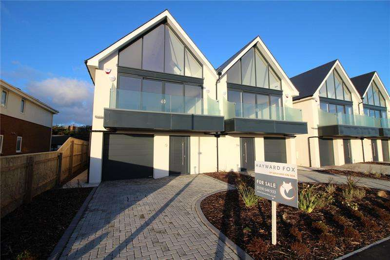 3 Bedrooms House for sale in Hurst Road, Milford On Sea, Lymington, Hampshire, SO41