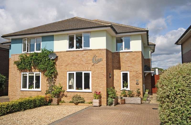 4 Bedrooms Semi Detached House for sale in Wellingtonia Gardens, Hordle, Lymington, Hampshire, SO41