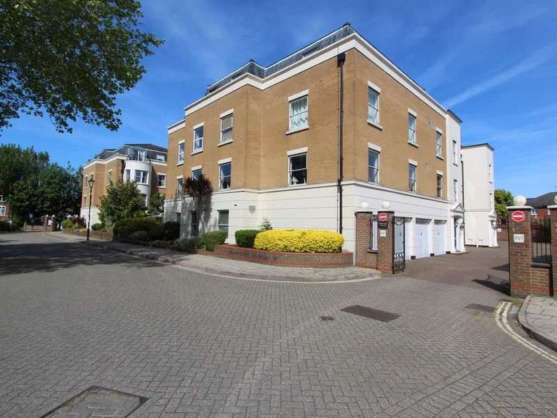 2 Bedrooms Apartment Flat for sale in Osbourne House, Southampton