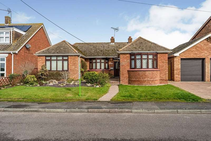 3 Bedrooms Detached Bungalow for sale in Nelson Avenue, Minster On Sea, Sheerness, ME12