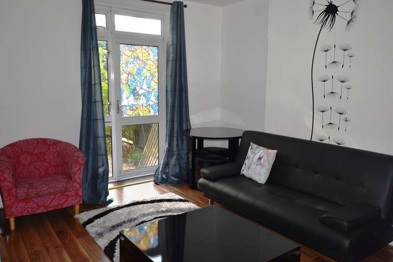 2 Bedrooms Flat for sale in Hercules Road, London, SE1
