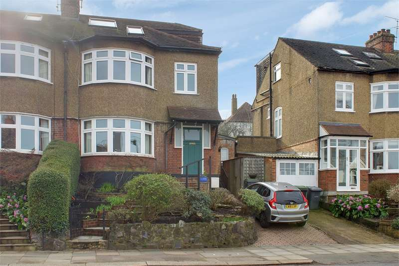 4 Bedrooms Semi Detached House for sale in Victoria Road, Alexandra Park, London