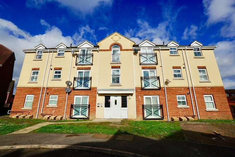 2 Bedrooms Flat for sale in Chadwick Way, Hamble, Southampton, SO31 4FD