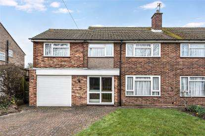 4 Bedrooms Semi Detached House for sale in Mosyer Drive, Orpington, Kent