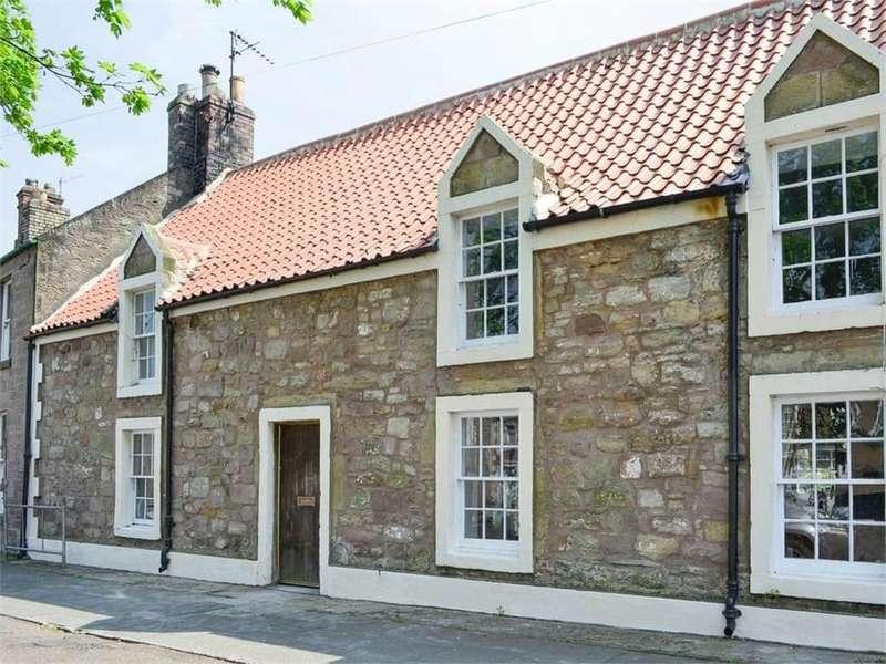 2 Bedrooms Terraced House for sale in 10 Castle Street, Norham, BERWICK-UPON-TWEED, Northumberland