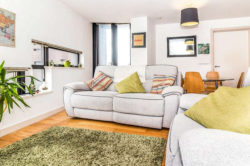 2 Bedrooms Apartment Flat for sale in Islington Wharf, 151 Great Ancoats Street, Manchester, Greater Manchester, M4
