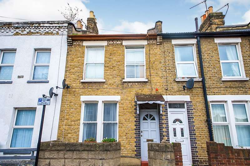 2 Bedrooms House for sale in Wellington Road, London, E7