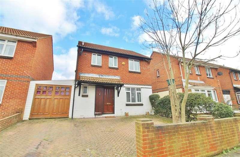 3 Bedrooms Detached House for sale in Hoveton Road, Thamesmead, London, SE28 8LW