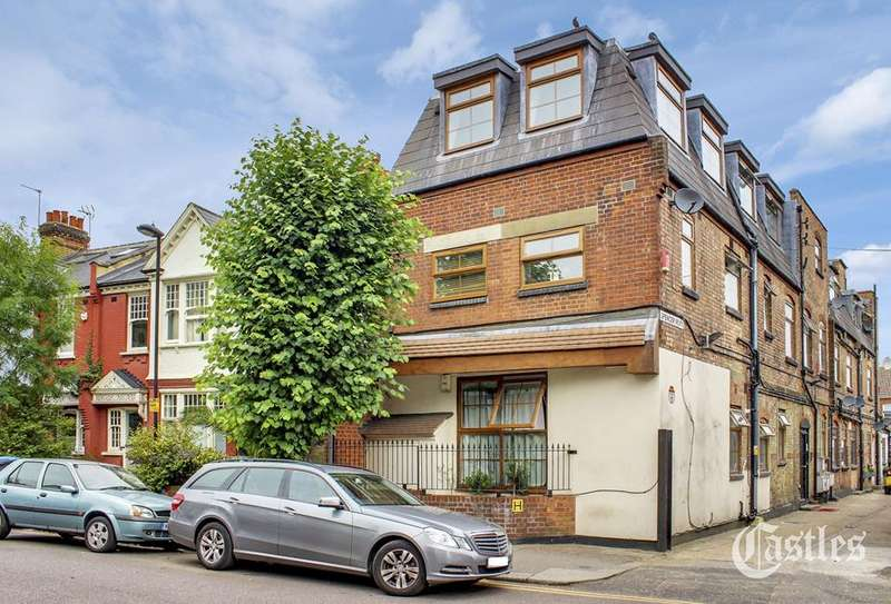 2 Bedrooms Flat for sale in 2a Spencer Avenue, Palmers Green, London, N13