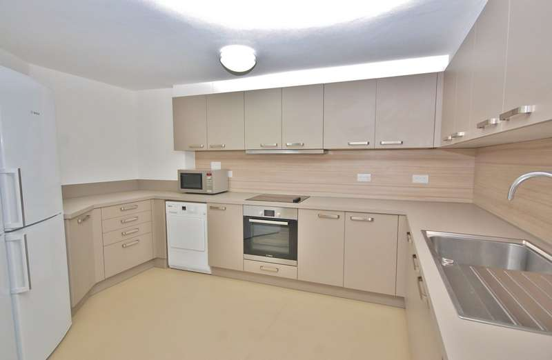 6 Bedrooms Flat for rent in Winchester City Centre