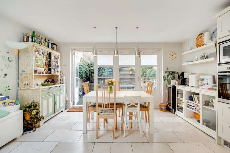 3 Bedrooms Terraced House for sale in Hiley Road, Kensal Green NW10