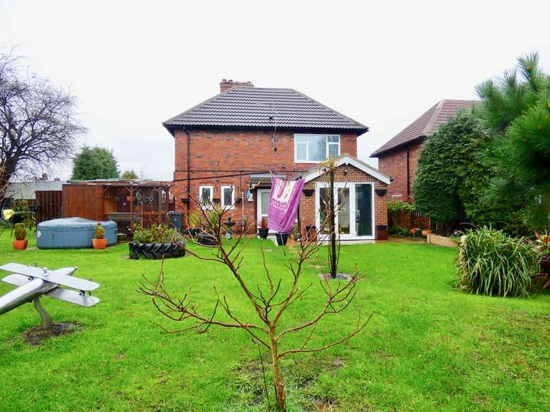 3 Bedrooms Terraced House for sale in Windsor Square, Rotherham, South Yorkshire, S63