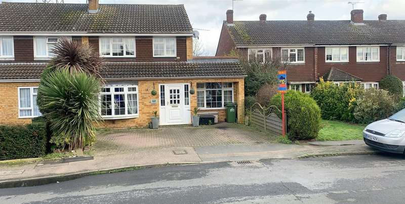 3 Bedrooms Semi Detached House for sale in Perrysfield Road, Cheshunt