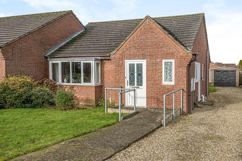 2 Bedrooms Semi Detached Bungalow for sale in Bonnetable Road, Horncastle, Lincs, LN9 6RH