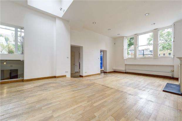 3 Bedrooms Semi Detached House for sale in Flask Walk, Hampstead, London, NW3