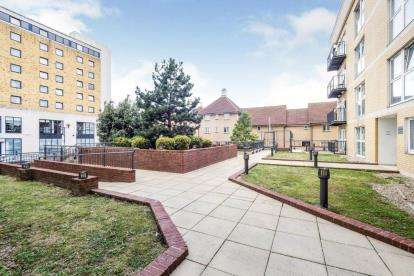 Parking Garage / Parking for sale in Royal Crescent, Ilford