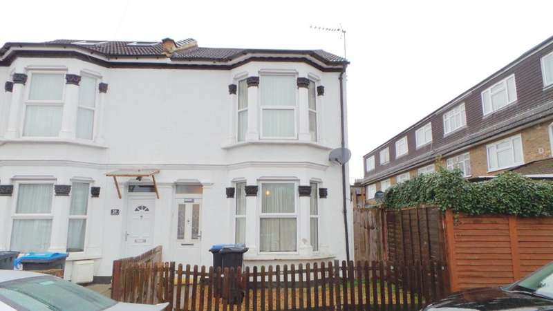 3 Bedrooms Semi Detached House for sale in Findon Road, Edmonton, London, N9