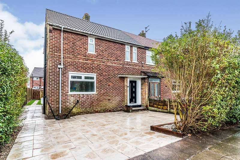 3 Bedrooms Semi Detached House for sale in Castleway, Clifton, Swinton, Manchester, M27