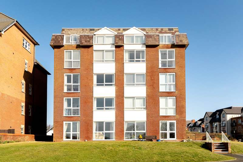 2 Bedrooms Flat for sale in South Promenade, Lytham St Annes, FY8