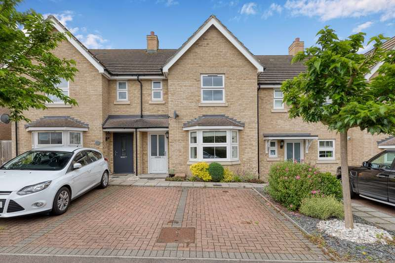 3 Bedrooms Terraced House for sale in Browning Close, Royston, SG8