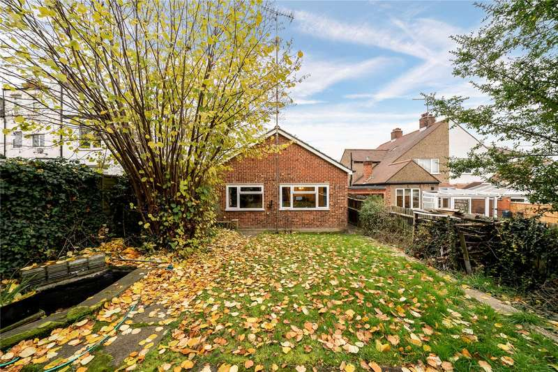 2 Bedrooms Detached Bungalow for sale in Colney Hatch Lane, Muswell Hill, London, N10
