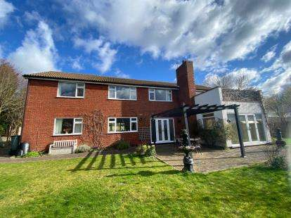 4 Bedrooms Detached House for sale in Rosehill Close, Saxilby, Lincoln, Lincolnshire