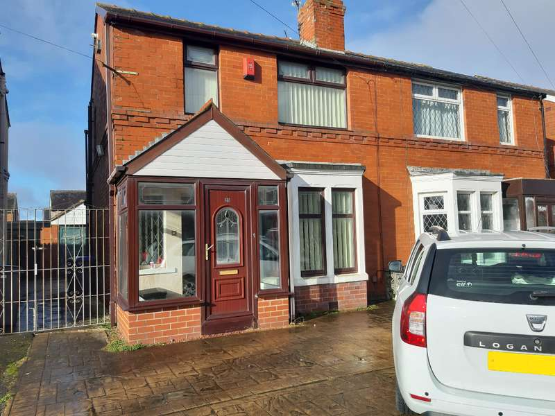 3 Bedrooms Semi Detached House for sale in Sandgate, Blackpool, FY4 2NG